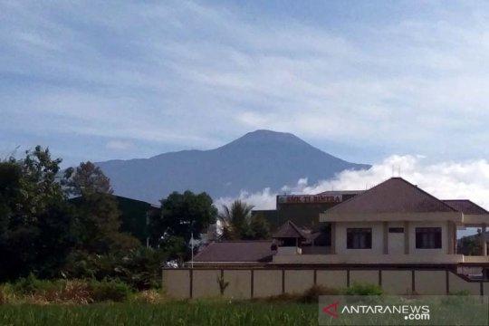PVMBG: Gempa embusan di Gunung Slamet menurun