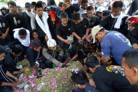 Ribuan pesilat PSHT berziarah ke makam pendiri perguruan