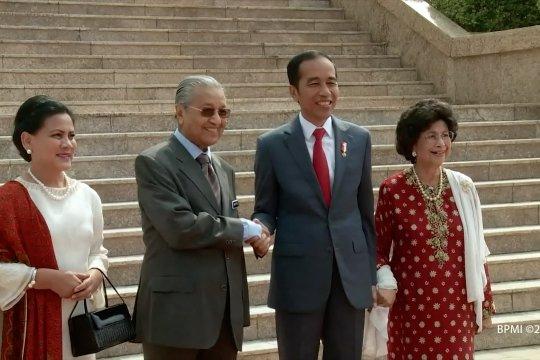 Indonesia - Malaysia bersatu lawan diskriminasi sawit