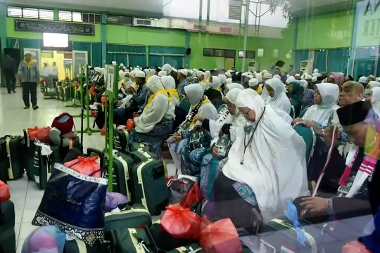 Kedatangan perdana jamaah haji Debarkasi Surabaya