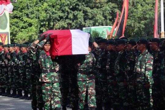 Pratu Sirwandi yang gugur tertembak KKB Nduga diterbangkan ke Lombok