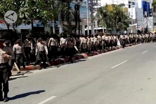 Papua Terkini - Ratusan siswa Bintara bersih-bersih kota Jayapura