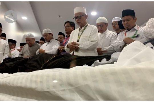 Jenazah Mbah Moen dishalatkan di Kantor Daker Mekkah di Syisyah