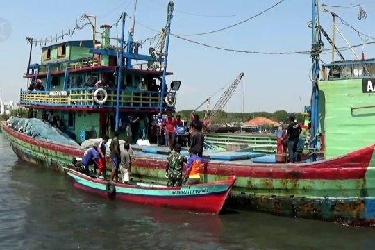 Korban kapal tenggelam di Selat Makassar tiba di Pekalongan