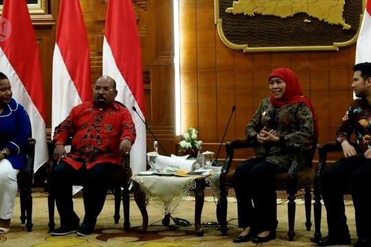 Gubernur Papua akan selesaikan masalah mahasiswa secara adat
