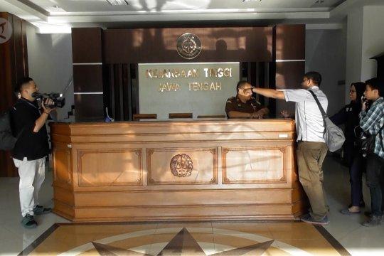 Tim penyidik Kejagung geledah sejumlah ruang di Kejati Jateng