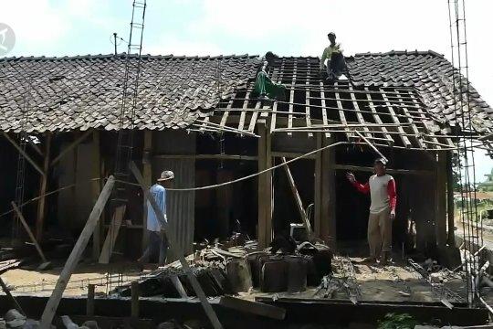 Entaskan kemiskinan melalui rumah layak huni