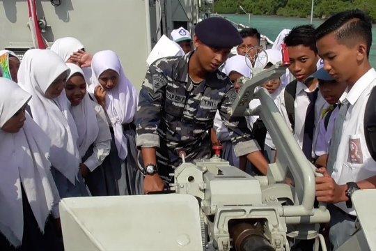 BI & TNI-AL edukasi pelajar Bintan mengenal rupiah & jaga kedaulatan
