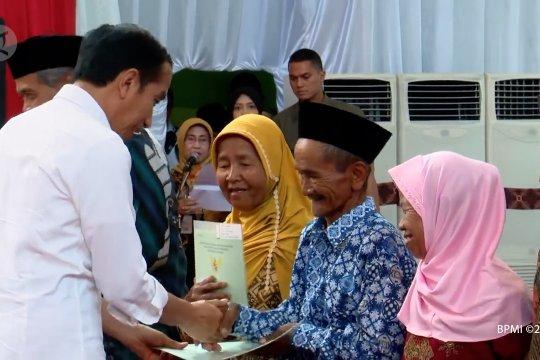 Presiden serahkan 3.800 sertifikat tanah untuk warga Purworejo
