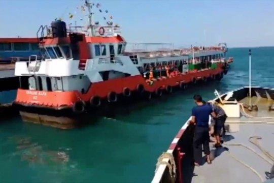 Bakamla RI serahkan 5 kapal tangkapan ke Polda Babel