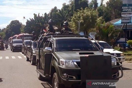Papua Terkini- Penyaluran BBM Pertamina masih dikawal aparat keamanan