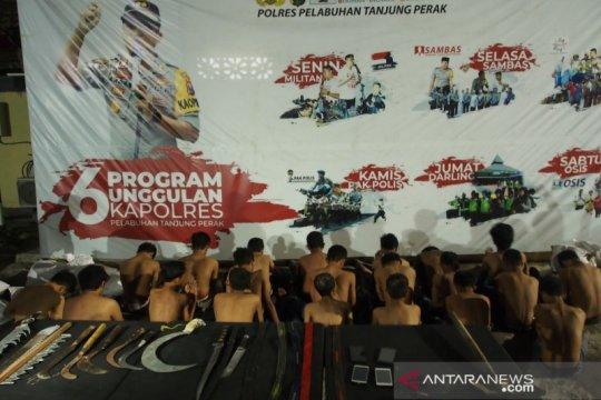 Polisi Tanjung Perak menggagalkan tawuran antargeng anak di Surabaya