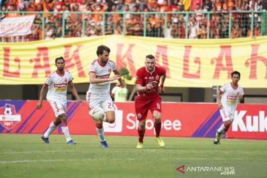 Babak pertama, Persija tertinggal 0-1 dari Badak Lampung