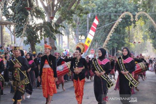 Karnaval budaya NTB pukau delegasi APGN