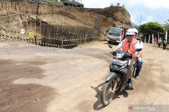 Menteri PUPR tinjau pembangunan jalan pintas Mengwitani-Singaraja