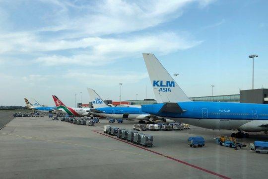 Aksi mogok di bandara Schiphol Amsterdam batalkan puluhan penerbangan