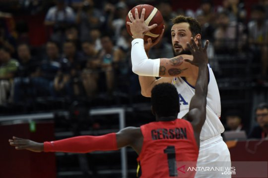 Italia tundukkan Angola demi dekati babak kedua