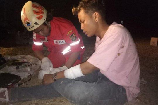 PMI Kediri sebut korban bentrok antarsupoter alami luka dan sesak
