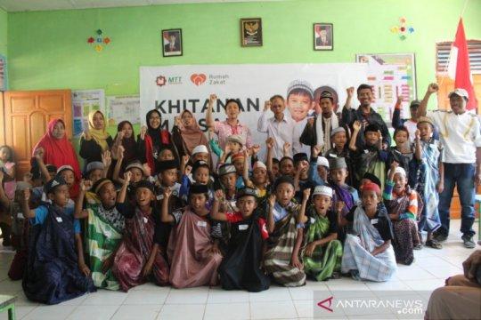 Rumah Zakat-MTT Foundation sunat gratis 150 anak pulau