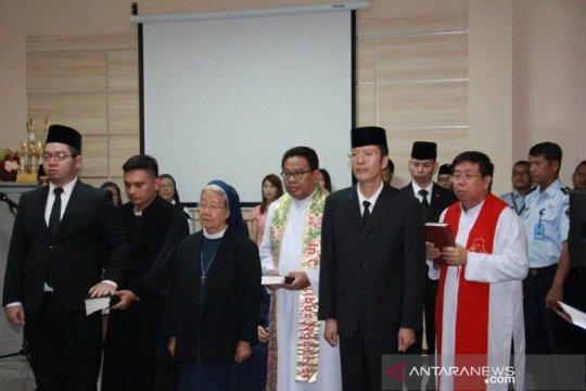 Kakanwilkumham Jatim ambil sumpah WNA pindah kewarganegaraan