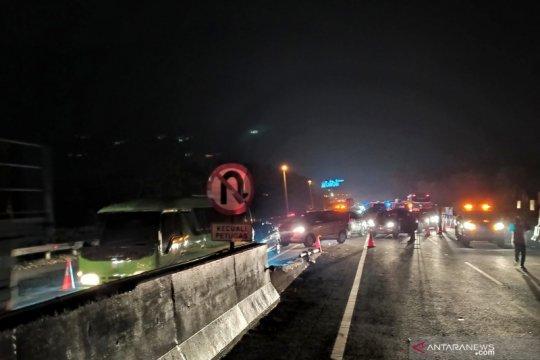 Petugas berlakukan contraflow di area kecelakaan maut Tol Cipularang