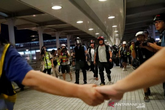 Hong Kong tegang pascabentrokan akhir pekan