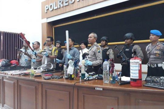 Polisi tangkap 53 suporter setelah bentrok di Kediri