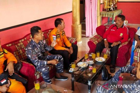 SAR Maumere berkoordinasi tokoh adat pencarian nelayan hilang
