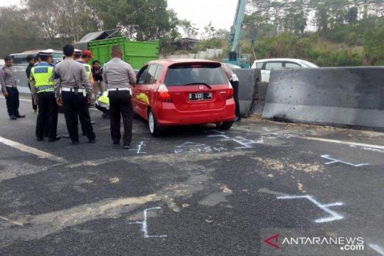 Dua Fortuner terlibat dalam kecelakaan beruntun di Tol Cipularang