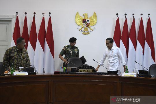 Presiden Joko Widodo pimpin rapat kabinet soal penerapan Industri 4.0