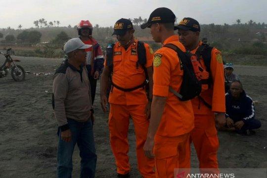 Tim menyisir pantai selatan Cianjur cari nelayan hilang