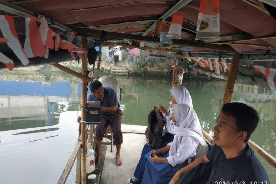 Eretan masih jadi alternatif penyeberangan sungai di Jakarta Utara