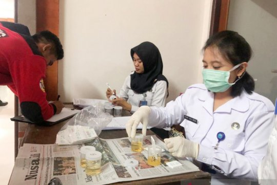 "Personel tim ""rescue"" Damkar Badung jalani tes narkoba"