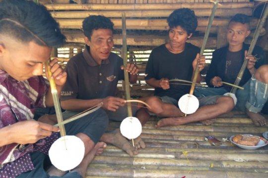 Agus Budi Nugroho dan musik Dungga Roro khas Sumba