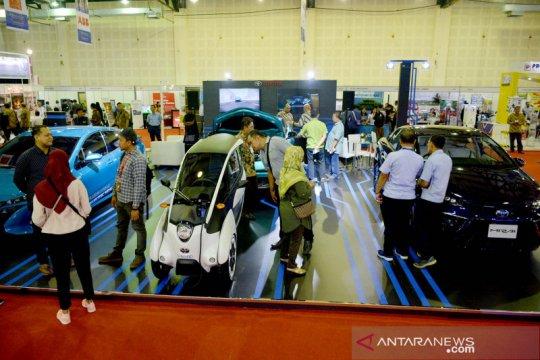 Kemarin, deretan kendaraan listrik IEMS lalu rencana konser Dewa 19