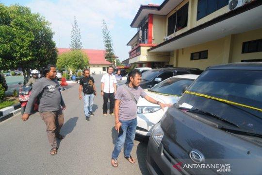 """Polda Kalimantan Selatan sita sembila mobil """"bodong"""" dari Jawa"""