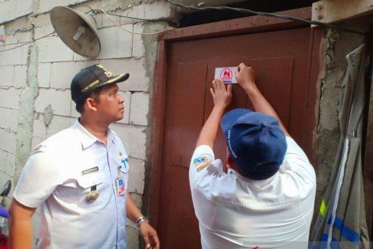 Pasang stiker kebakaran, Kembangan pastikan keselamatan warga