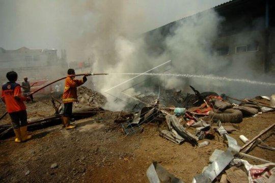 Kebakaran gudang rongsok Page 2 Small