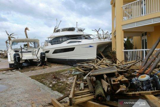 Banyak wilayah Bermuda mati lampu saat Badai Humberto menerjang