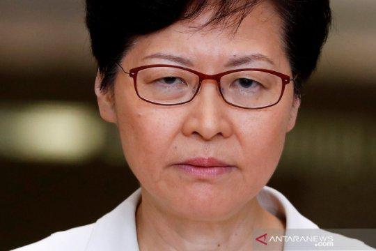 Pemimpin Hong Kong hentikan pidato karena gangguan anggota Parlemen