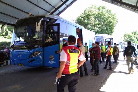 Jamaah haji Kloter 25 asal Sultra tiba di Debarkasi Makassar