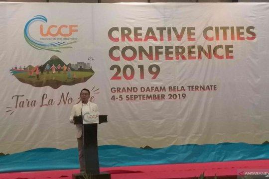 Ridwan Kamil berbagi ilmu ekonomi kreatif di Ternate
