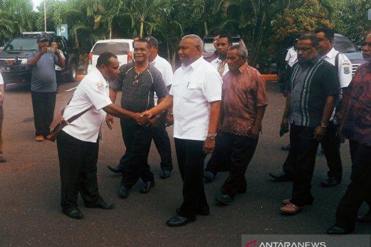 Gubernur Papua Barat segera serahkan data kerusakan ke pusat