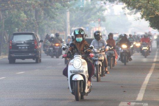 Kota Banjarmasin diliputi kabut asap sejak pagi