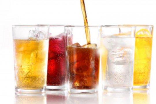 Konsumsi minuman bersoda berlebihan tingkatkan risiko kematian dini