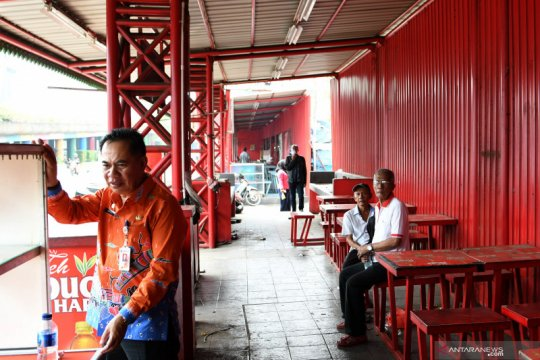 Jakarta Pusat relokasi pedagang nasi kapau Kramat demi trotoar