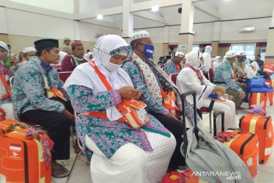 Separuh lebih haji Jawa Tengah-Yogyakarta telah kembali ke daerah asal