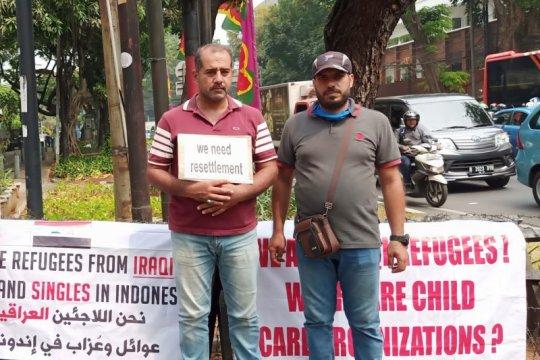 Pencari suaka dari Irak unjuk rasa di depan kantor UNHCR