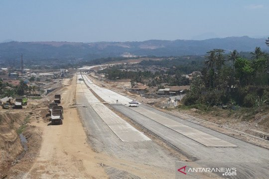 Menengok kemajuan pembangunan Tol Cisumdawu