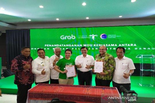 Menko Luhut sebut operasional Grab dukung duniakan wisata Danau Toba